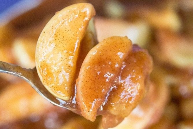 close up of a spoon with Cracker Barrel Fried Apples