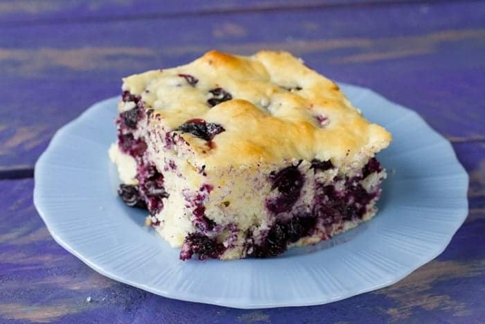 Lemon Blueberry Overnight Breakfast Cake! Make the batter the night before, put it in the fridge and bake it the next morning! It's the perfect weekend or holiday treat! Recipe from @kitchenmagpie. #breakfast #lemon #recipe #blueberry #cake