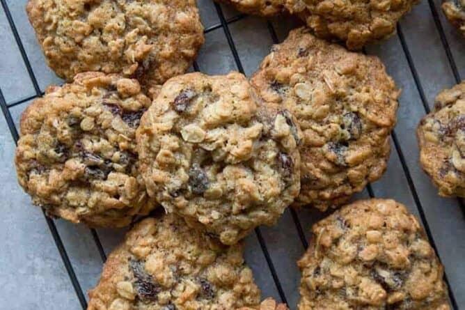 Close up of Quaker Vanishing Oatmeal Raisin Cookies in Black Cooling Rack