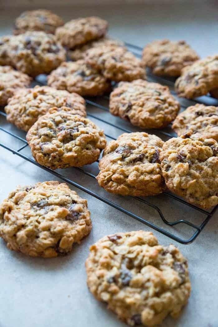vanishing oatmeal raisin cookies nutrition facts