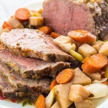 Slow Cooker Red Wine Striploin Roast Beef