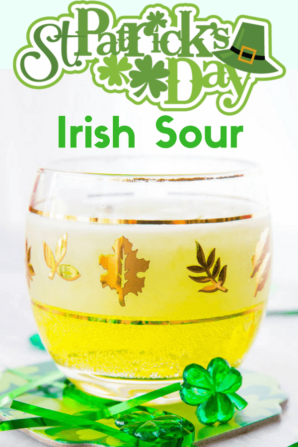 A tasty MELON St Paddy's Day cocktail - the IRISH SOUR!! (Though I would make this one year round, yummy!!) #cocktail #boozy #liquor #melon #drinks #recipe #whisky #whiskey