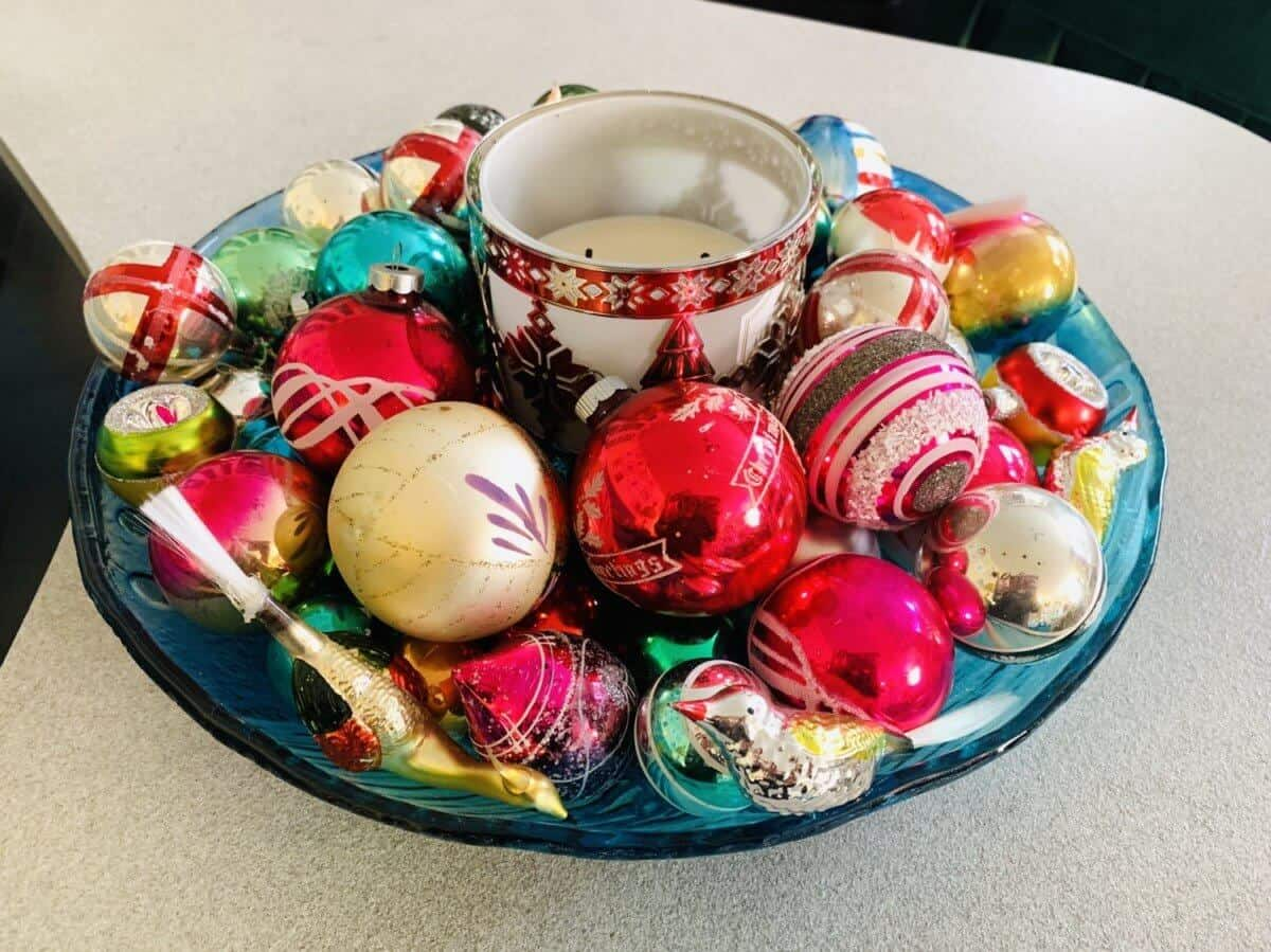 how to display vintage ornaments in a bowl