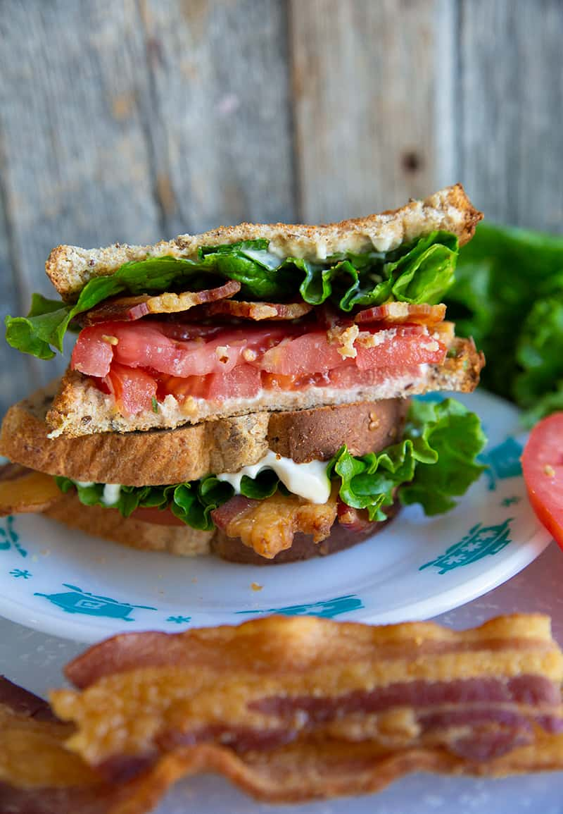 close up Classic BLT Sandwich in a white plate