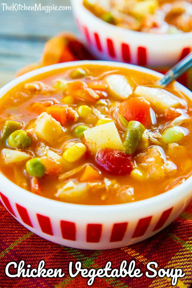 This chicken vegetable soup is the perfect cold weather dinner - and is a great way to use up leftover chicken in a healthy and hearty soup! #soup #chickensoup #vegetables