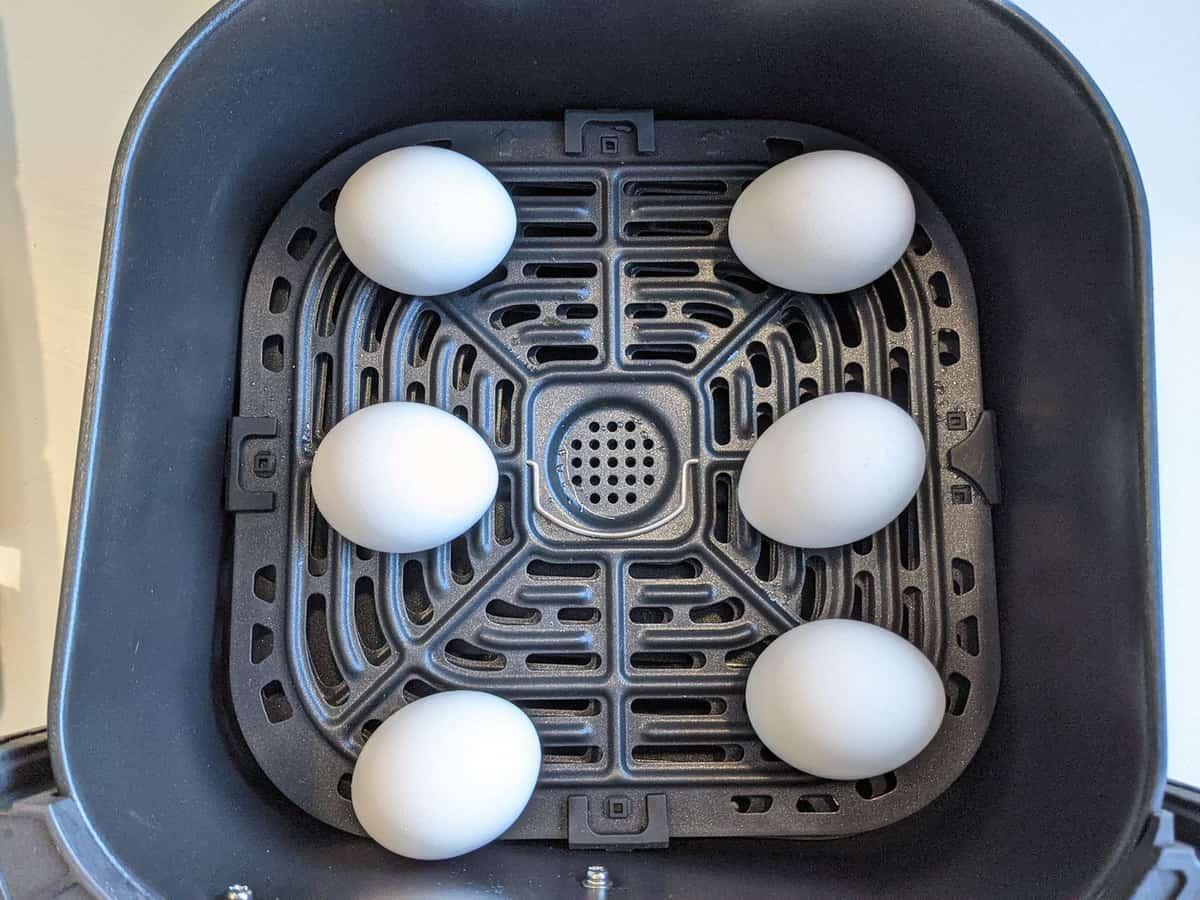 6 eggs in an air dfryer basket