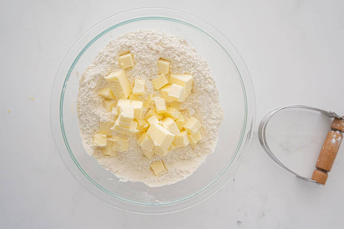 cutting butter into dry flour mixture