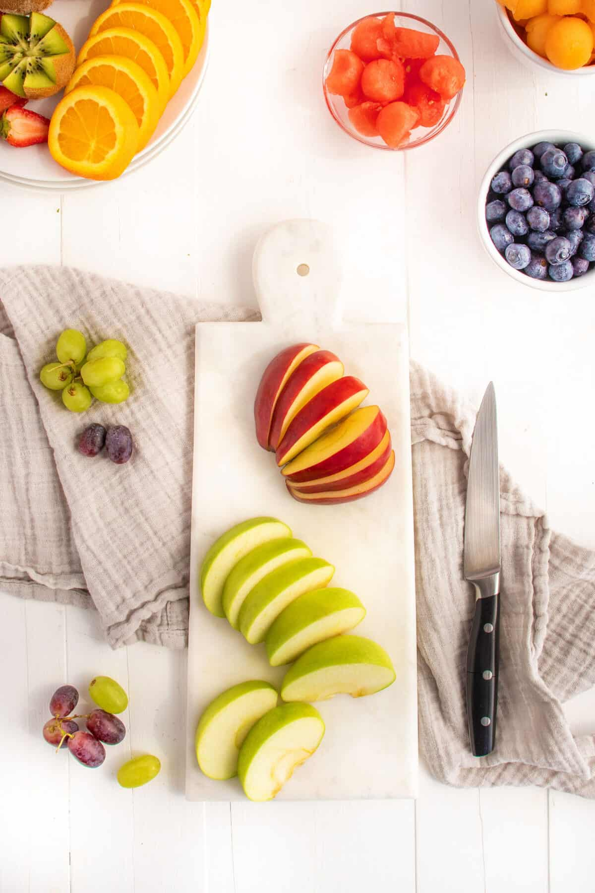 how to slice apples for a fruit platter